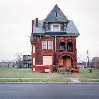 100 Abandoned Houses 1